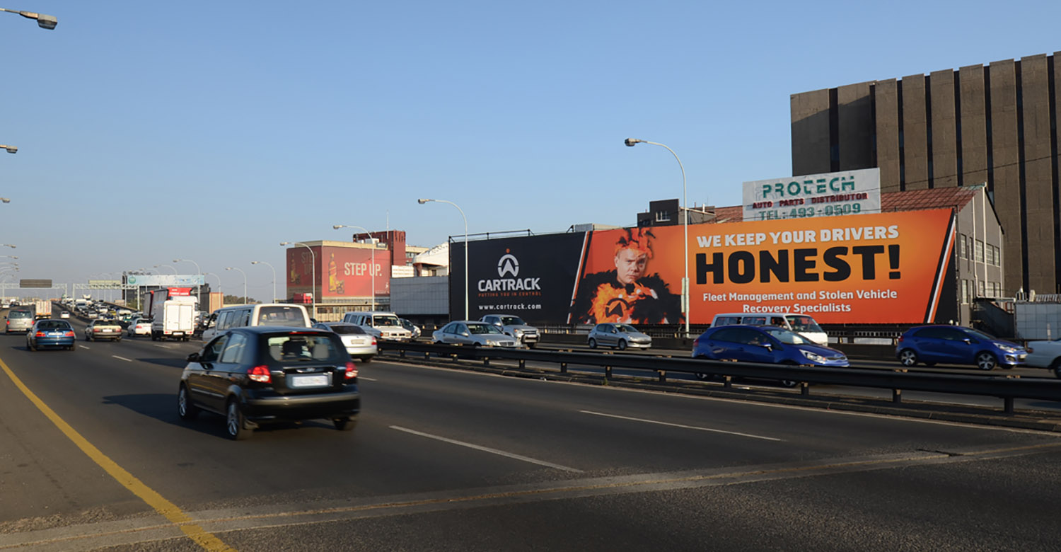 Car Track - TOP4 - car-trek-jhb-mega-signs 2